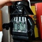 Få et vækkeur udformet som en blanding af LEGO og Star Wars figurer