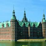 Frederiksborg Slot er også en spændende seværdighed i Købehavn, eller nærmere bestemt Hillerød