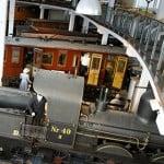 På Danmarks Jernebanemuseum kan du altid se den permanente samling og nogle gange komme til at køre i veterantog