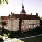 Holckenhavn Slot er et velbevaret slot på Fyn, hvor du bl.a. kan holde private arrangementer eller nyde en romantisk weekend for 2