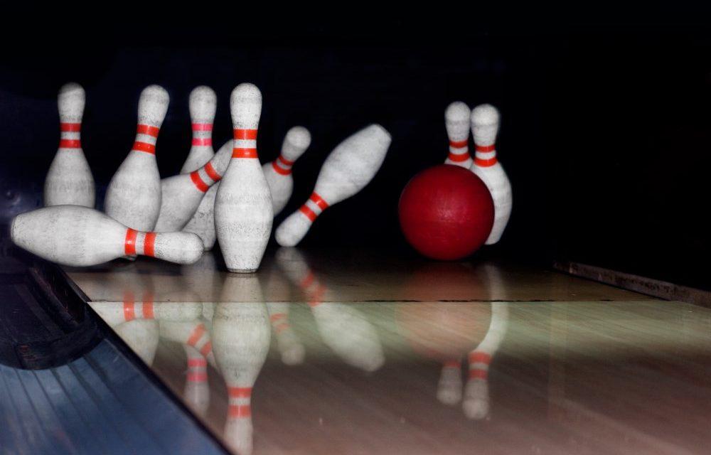 Sæt gang i festen med et slag Party Bowling