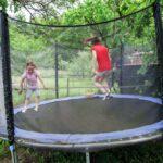 Har du svært ved at aktivere børnene, så giv dem en trampolin